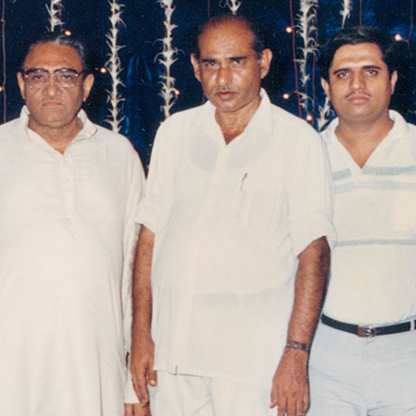 <h4>Late TEAM MEMBERS <br />Mr. Virani, Mr. Gulaamali Karmali & Mr. Shiraz Makani</h4><info>Founders of Universal Organisation